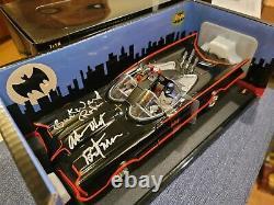 Adam West Burt Ward Signed 1966 Batman Robin Tv Movie Batmobile Hot Wheels 118