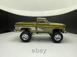 Hot Wheels 2014 Super Treasure Hunt 83 Chevy Silverado 4x4 Custom Baseswap Loose