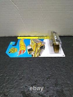 Hot Wheels 2014 Super Treasure Hunt 83 Chevy Silverado Clean Card