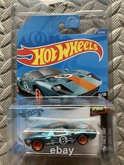 Hot Wheels Ford GT40 Gulf 35/250 1/64 SUPER TREASURE HUNT