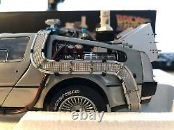 NEW1/18 Hotwheels Elite Delorean Back to the Future with Hover Board Diecast Model